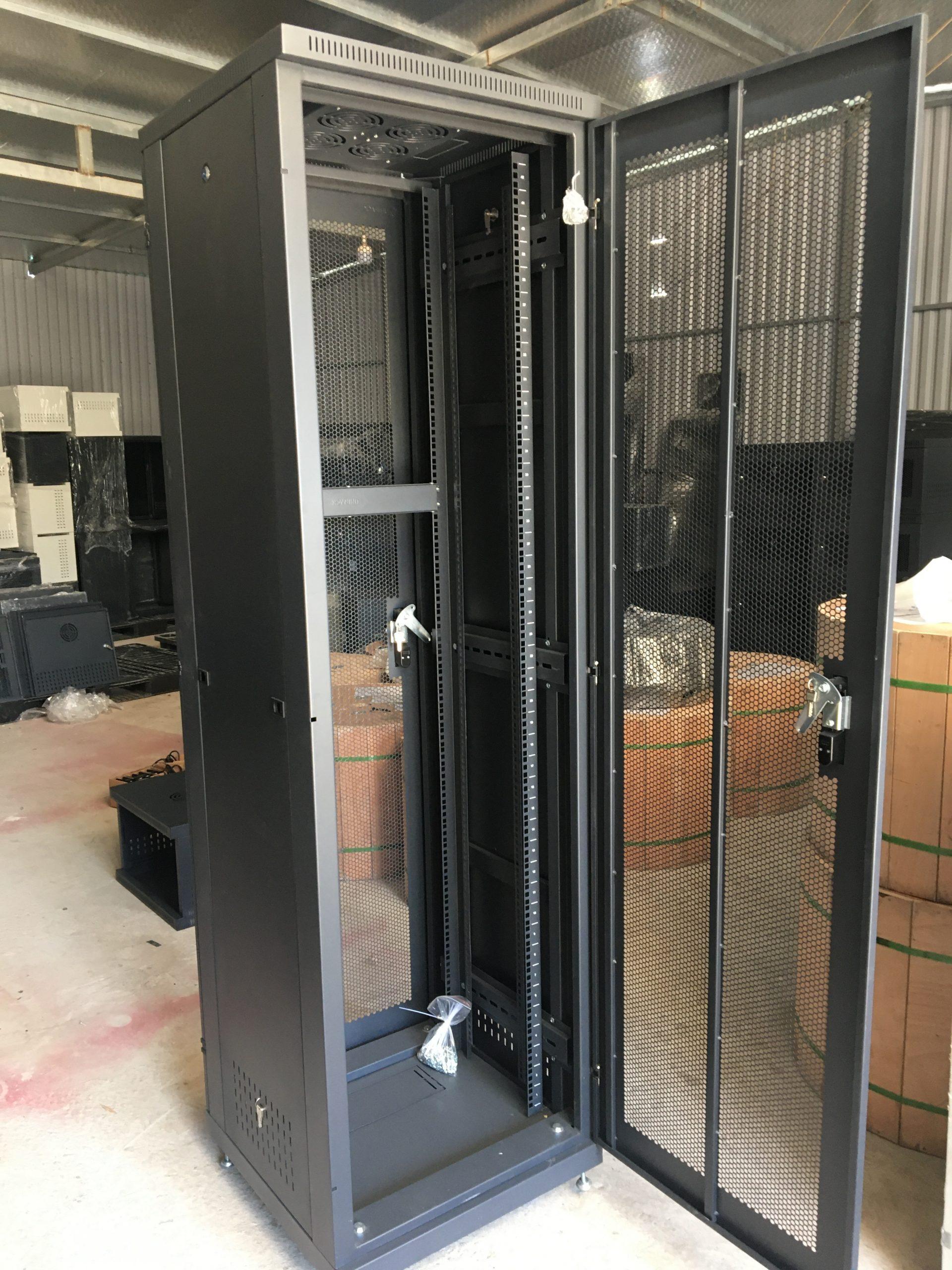 Tủ Rack 42UD600