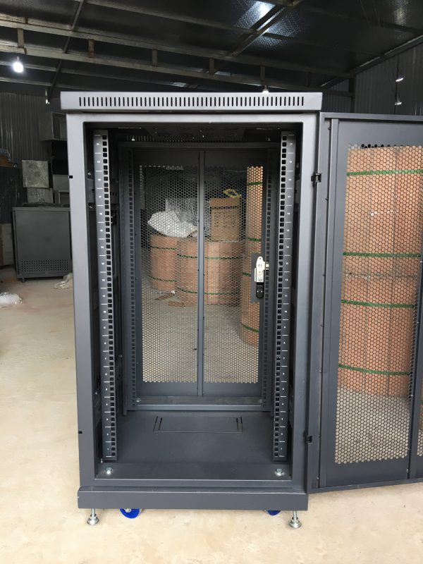 Tủ Rack 20UD600